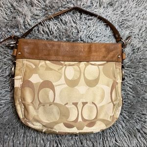 Coach F14711 Opt Signature Convertible Zoe Handbag